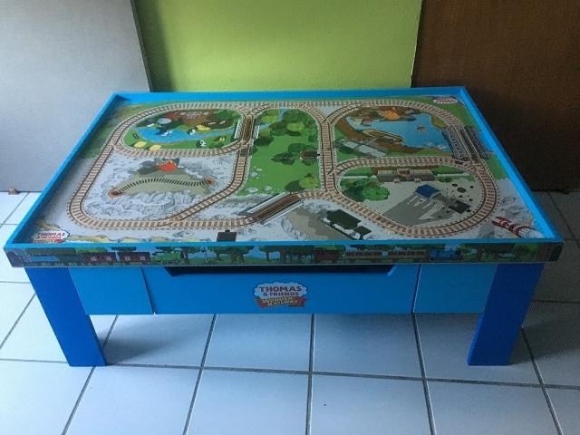 Mesa de juego thomas friends para compra venta en for Puerto rico juego de mesa
