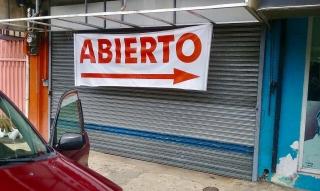 Local comercial cerca de la Plaza del Mercado y la UPR.