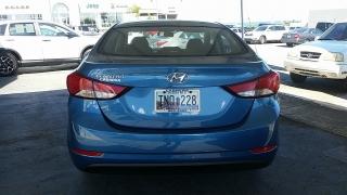 Hyundai Elantra SE Azul 2016