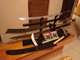 surtido de armas japonesas