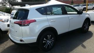 Toyota RAV4 LE Blanco 2017