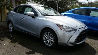 Toyota Yaris Ia Plateado 2017