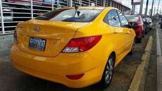 Hyundai Accent GL Amarillo 2016