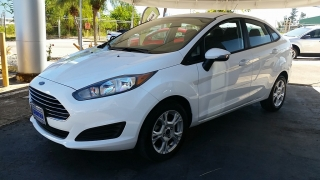 Ford Fiesta SE Blanco 2014