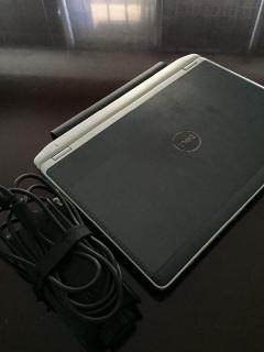 Computadora DELL Latittude E6220