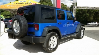 Jeep Wrangler Unlimited Sport Azul 2016