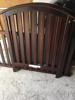 Cuna en madera con matre