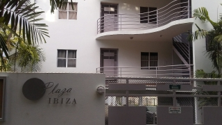 Cond. Plaza Ibiza PH2 #566 Bo. Algarrobo, Mayagüez