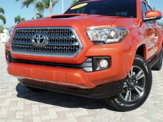 TOYOTA TACOMA TRD SPORT 2017 !WOW! MUCHOS EXTRAS!
