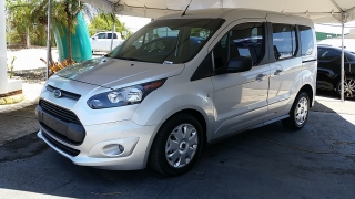 Ford Transit Connect Wagon XLT Plateado 2014