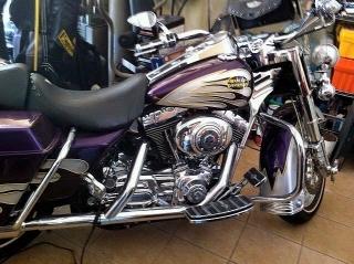 Harley Davidson Road King 2003 del 100 aniversario con solo 4k millas!!