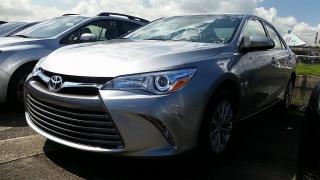 Toyota Camry LE Plateado 2017