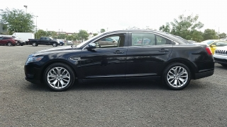 Ford Taurus Limited Negro 2016
