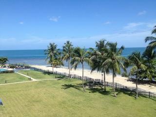 Penthouse en Golf y Playa I- 2 niveles, 2H/2B