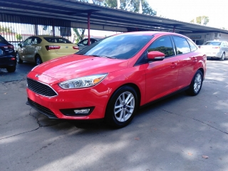Ford Focus Se Red 2015