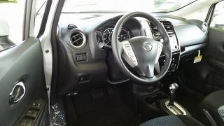 Nissan Versa Note SV Plateado 2017