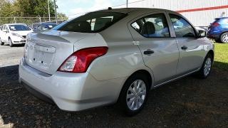 Nissan Versa Sedan S Plateado 2017