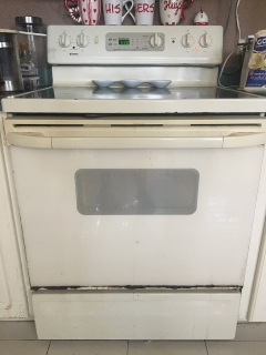 Estufa eléctrica color crema