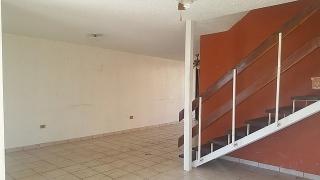 Haga Su Oferta!!! 17-0019 Propiedad ubicada en la Urb. Villa Doradaen Canovanas, PR.