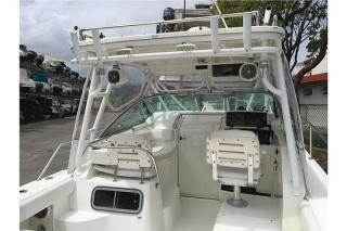 Boston Whaler Conquest 28 '00 / Twin Yamahas 250HP