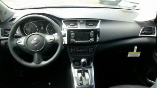 Nissan Sentra SR Gris Oscuro 2017