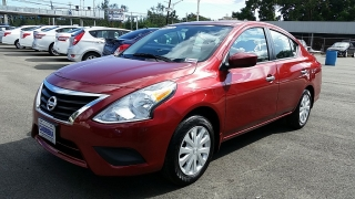 Nissan Versa SV Rojo 2016
