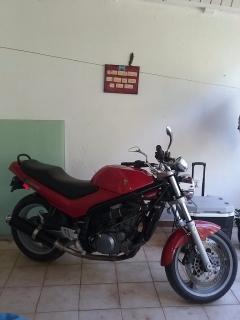 Motora MZ 600 CC 2002 Roja y negra