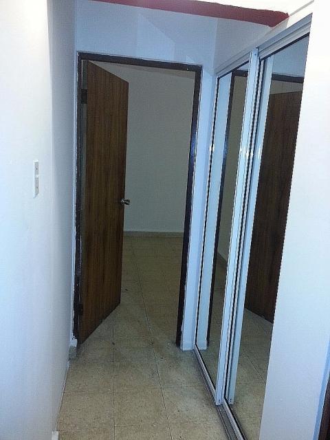 Pasillo con closet