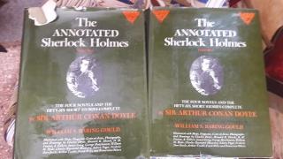 Volumen 1 y 2 de annotated Sherlock Holmes en ingles