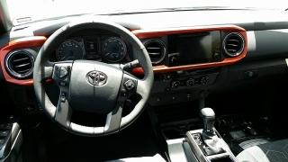 Toyota Tacoma TRD Sport Gris Oscuro 2017
