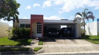 Hermosa Residencia Ciudad Atlantis, Arecibo Solo $800