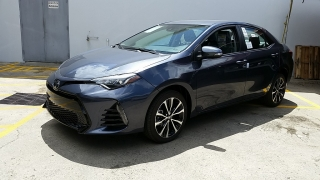 Toyota Corolla SE Gris Oscuro 2017
