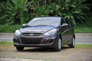 Hyundai Accent GL Marron 2016