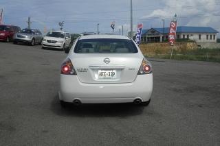 Nissan Altima 25s Blanco 2008