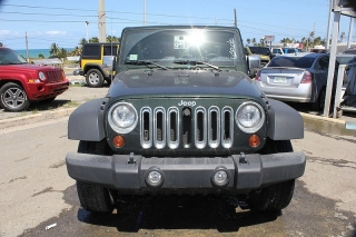 Jeep Wrangler Unlimited Sport Verde 2011