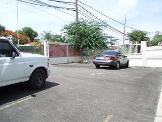 Excelente local comercial localizado en uno de los lugares previlegiados de la carr. #2. Bo. Carrizales (1er Piso)