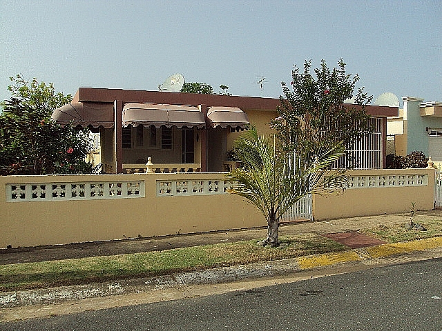 residencia en vista azul calle 8 casa b 28 remodelada con puertas en