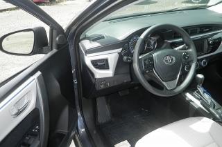 Toyota Corolla Le Gris Oscuro 2014