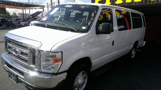 FORD E-350 C/WAGON XLT 2012