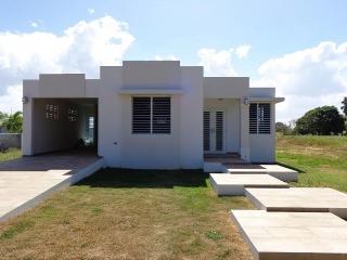 Casas en aguadilla bienes ra ces en clasificadospr for Alquiler de casas baratas en sevilla este