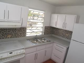Venta Reparto Metropolitano Casa Multifamiliar $159K *Haga su Oferta*