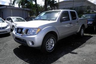 Nissan Frontier Sv Plateado 2014