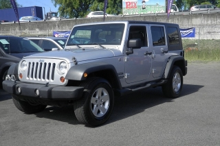 Jeep Wrangler Unlimited Sport Plateado 2010