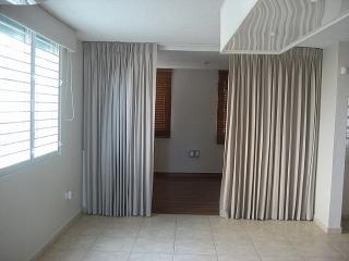 14-0053 En Urb. Villas Reales, Guaynabo, PR