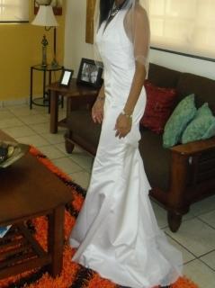 vendo vestido de boda con su corona 400
