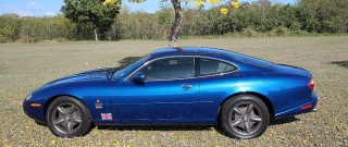 Jaguar XK-8 1998 Azul
