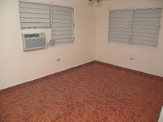 Reparto Metropolitano.2Casas+1Apt.Income Property Multifam. $150K + $5K de pronto Negociable