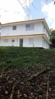 Casa en Bo. Cubuy Canovanas con una cuerda y media