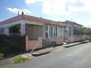 13-0295 En Urb. Batista, Caguas, PR