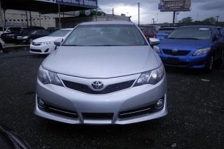 Toyota Camry Se Plateado 2012